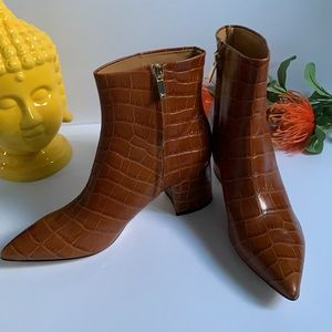 Marc Fisher camel brown boots size 7,5 US